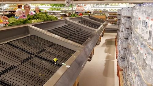 Empty shelves at a Cairns supermarket. (9NEWS)