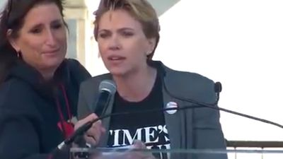 Scarlett Johansson's Women's March speech calls out James Franco: 'I want my pin back'