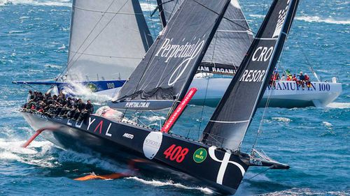 Wild Oats XI takes lead in Sydney to Hobart