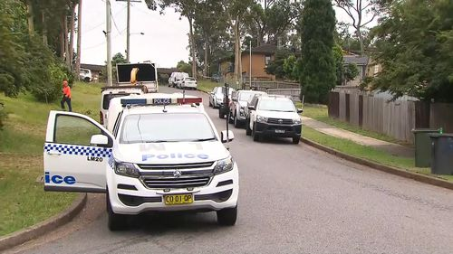 Police hunt second man in relation to fatal stabbing in NSW's Lake Macquarie region