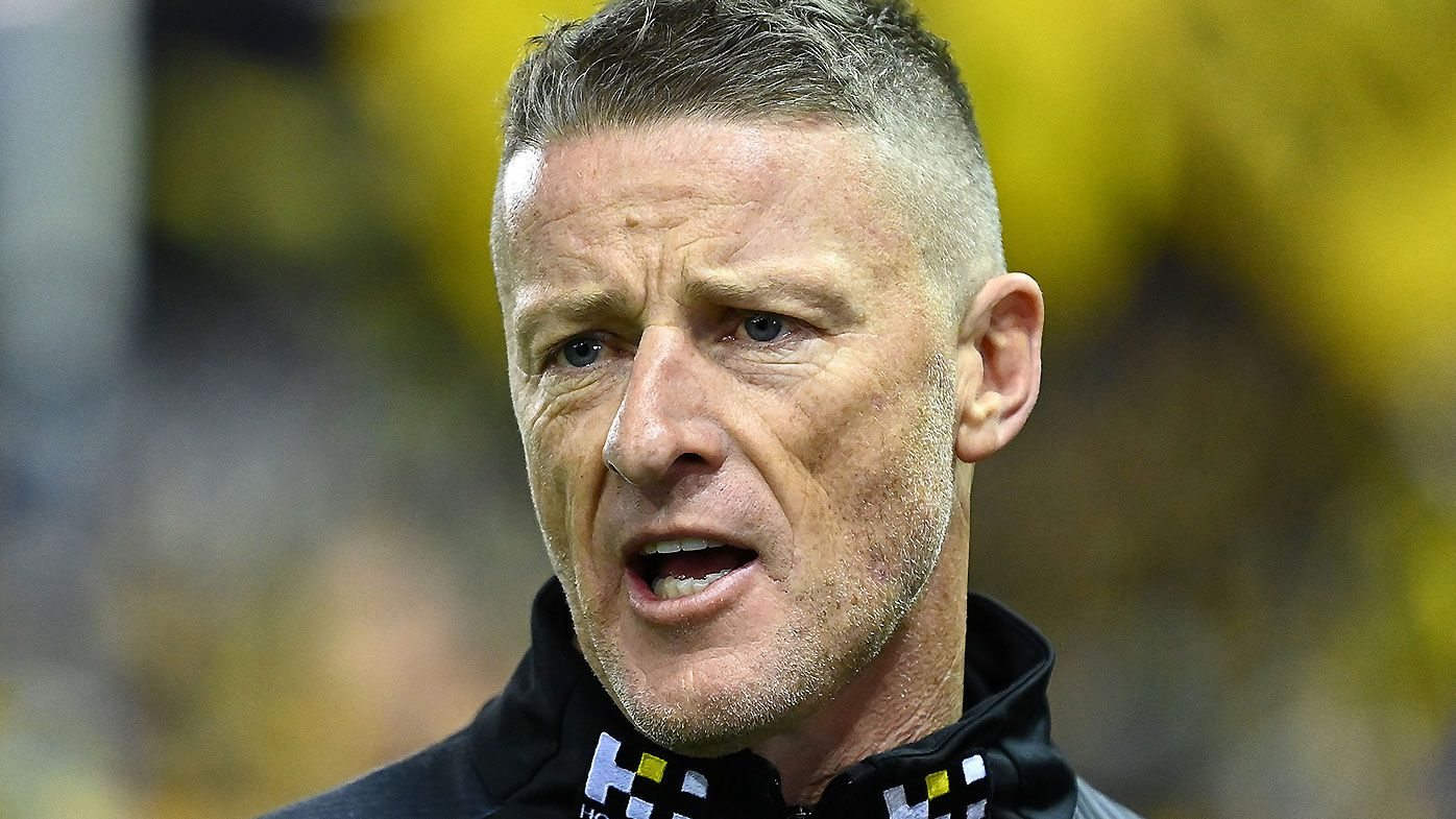 '100 free kicks a game': Paul Roos' fear over Damien Hardwick's prior opportunity call