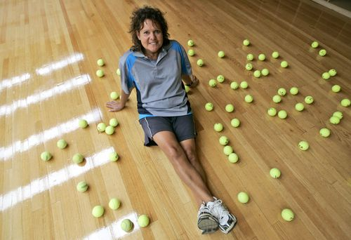 Tennis legend Evonne Goolagong-Cawley has been recognised for service to the sport. (AAP)