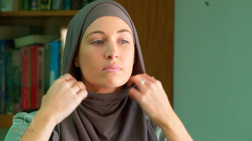 In an ultimate display of her dedication to Khawaja, Ms McLellan made the decision to covert from Catholicism to Islam—a choice that she assures Langdon was hers alone. (60 Minutes)