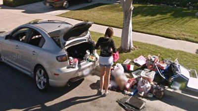 This image reportedly shows the moment after a woman was kicked out of her boyfriend's house in Southern California.