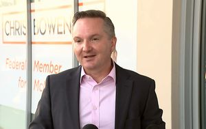 As it happened: Bowen officially withdraws from Labor leadership race