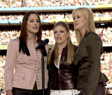 The Chicks, Super Bowl, 2003,Martie Maguire, Natalie Maines and Emily Robison