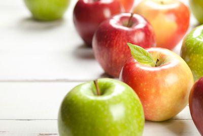 For whole fruit (52 calories/100g)