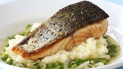 "<a href=""http://kitchen.nine.com.au/2016/05/18/01/23/crispy-skin-salmon-on-braised-peas-and-mash"" target=""_top"">Crispy skin salmon on braised peas and mash<br> </a>"