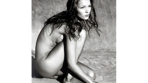 Kate Moss nude pic expected to sell for $28,000