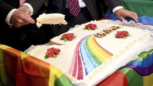 Mr Kreile and Mr Mende's wedding cake. (AAP)