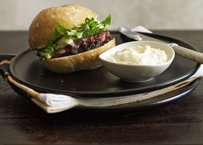 "Recipe: <a href=""http://kitchen.nine.com.au/2016/05/17/12/00/thomas-keller-roast-beef-sandwich"" target=""_top"">Thomas Keller's roast beef sandwich</a>"