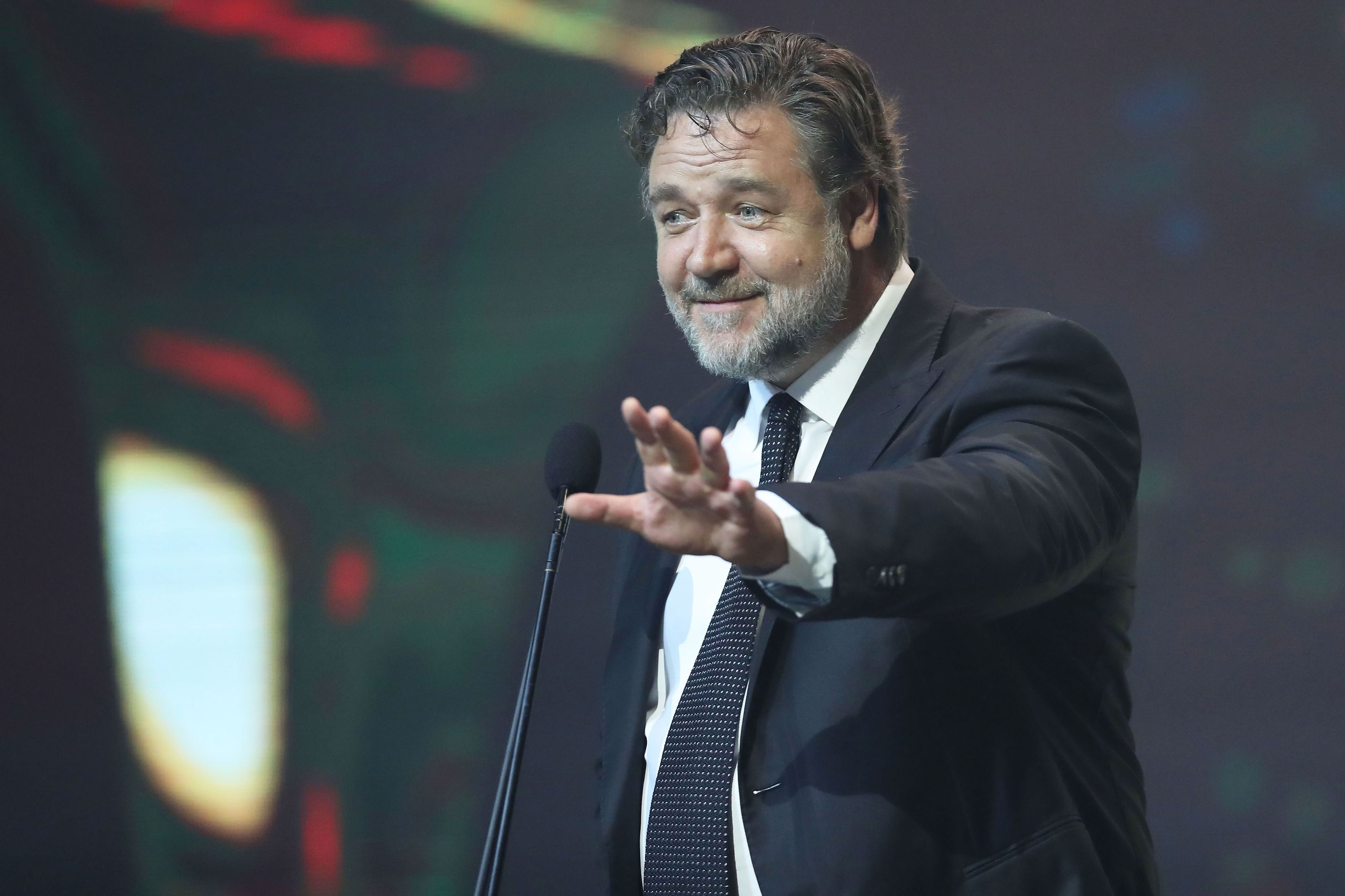Actor Jacqui McKenzie defends Russell Crowe after he jokes about sodomising her