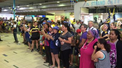 Cowboys fans turned out in force to farewell the Sydney-bound team at Townsville Airport. (9NEWS / Joel Dry)