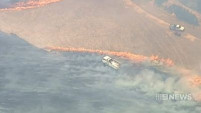 Firetrucks battle the grassfire near Ararat. (9NEWS)