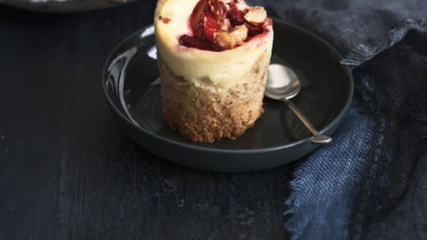 Plum and ricotta crumble cakes