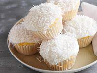 Light coconut cakes