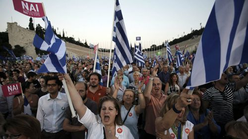 Tensions rise in Greece as referendum approaches