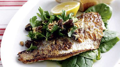 "<a href=""http://kitchen.nine.com.au/2016/05/19/16/25/panfried-fish-with-lemon-spinach-salad"" target=""_top"">Pan-fried fish with lemon and spinach salad<br> </a>"