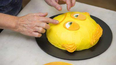 Meh Emoji cake