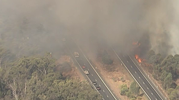 Massive grassfire threatening homes near Brisbane