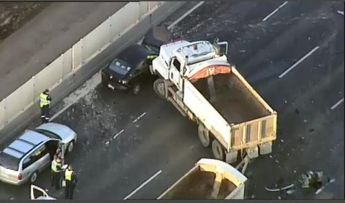 Man dead in multi-vehicle smash on Princes Freeway