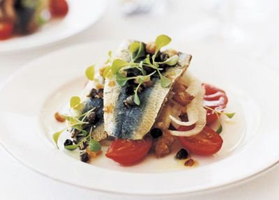 """<a href=""""http://kitchen.nine.com.au/2016/05/19/19/13/panfried-sardines-with-breadcrumb-salsa-heirloom-tomatoes-and-shaved-fennel"""" target=""""_top"""">Pan-fried sardines with breadcrumb salsa, heirloom tomatoes and shaved fennel<br> </a>"""