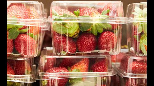 Six brands of stawberries have been recalled in the nationwide needle sabotage saga.