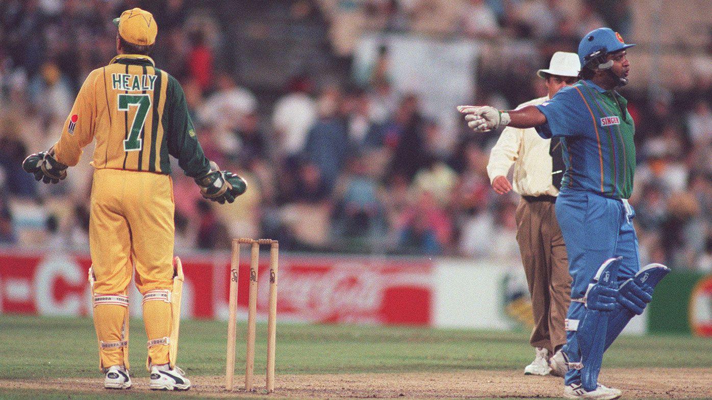 Ian Healy and Sri Lankan captain Arjuna Ranatunga exchange words during a match in 1995-96.