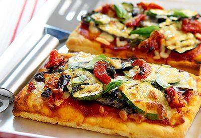 Tomato and eggplant pizza