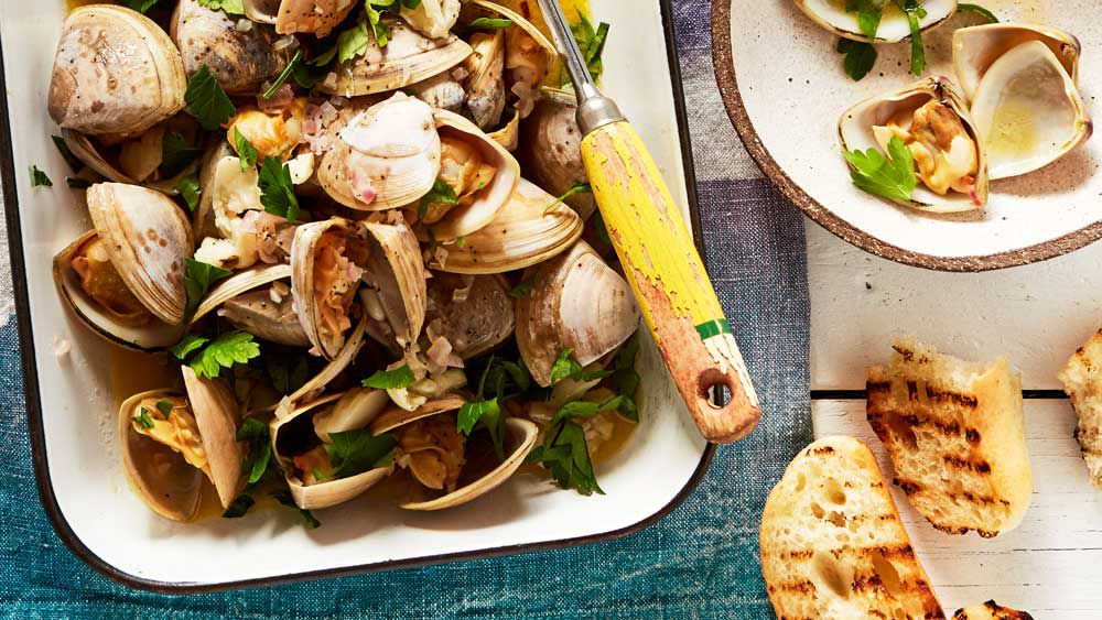 Matt Wilkinson's one-pot clams with garlic, lemon and parsley recipe
