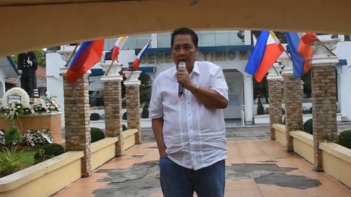 Mayor Ferdinand Bote of the town of General Tinio appears to be the victim of a driveby shooting. Picture: CNN