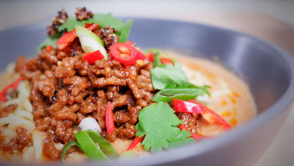 9Honey Every Day Kitchen: Spicy peanut butter noodles are king