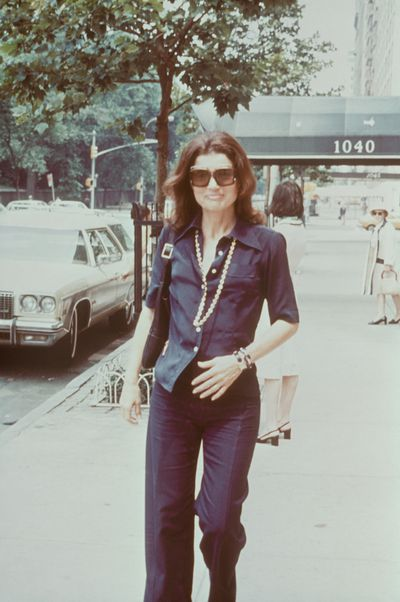 Jackie Kennedy Onassis walking down the streets of New York, 1970