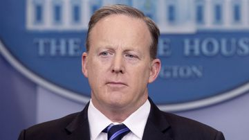 Sean Spicer attempts to stamp out leaking by performing 'phone checks'