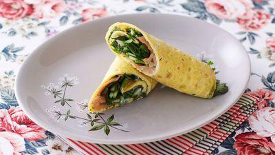 "<a href=""http://kitchen.nine.com.au/2016/05/17/10/13/omelette-wrap"" target=""_top"">Omelette wrap<br> </a>"