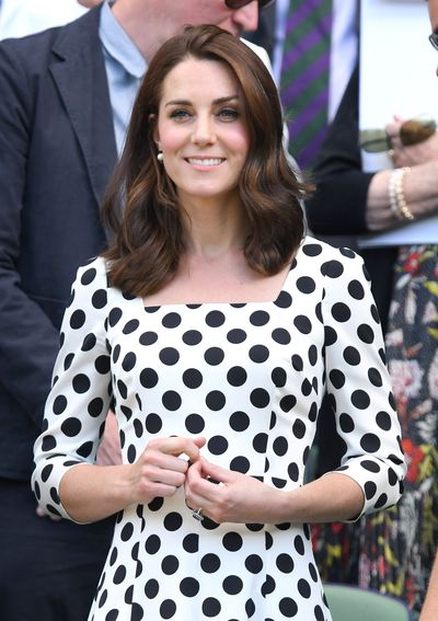 <p>The Duchess of Cambridge debuted a shorter, cropped hairdo earlier this week when she was arrived to watch a tennis match at Wimbledon.</p> <p>The Duchess paired her new hair  with a polka dot dress from Dolce and Gabbana and simple pearl earrings.</p> <p>Kate's shorter 'do is a dramatic change for 35-year-old whose long, voluminous locks have became one of her signature looks.&nbsp;</p>