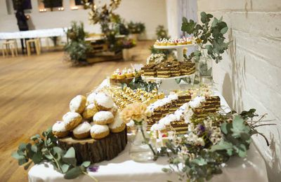 10. Dessert tables with floral styling