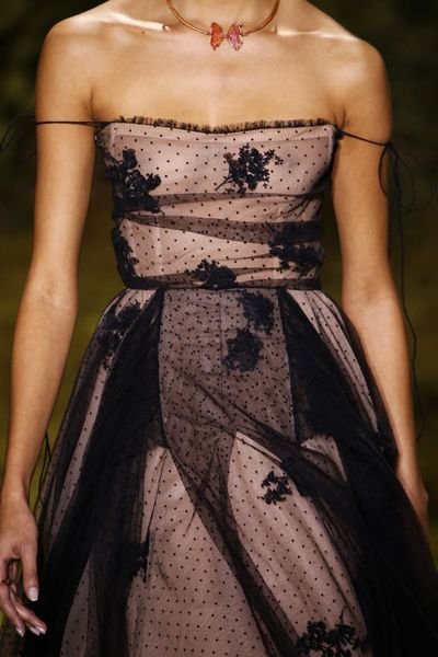 <p>Christian Dior Haute Couture Spring 2017.</p> <p>Floral details and lace overlay.</p>