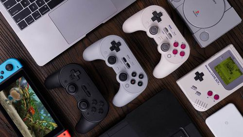 With the classic look of a Nintendo controller, the colour scheme of the original GameBoy and a similar feel to a PlayStation controller, the SN30 Pro 2 is ticking all the boxes.
