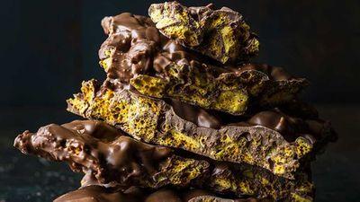 Chocolate-coated honeycomb