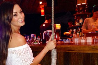 @lisa_m_hyde: Swinging up to the bar for cocktails, #sailingclub @contiki wearing @ladylunaboutique