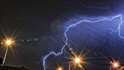 This lightning was captured in Munno Para West. (Rhett Gill)
