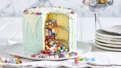 Jelly Belly piñata cake