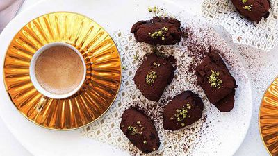 "<a href=""http://kitchen.nine.com.au/2016/05/16/18/24/chocolate-pistachio-and-orangeblossom-truffles"" target=""_top"">Chocolate, pistachio and orange-blossom truffles</a>"