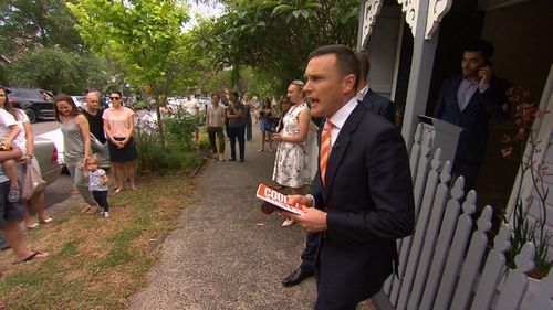 Agents say buyers now have more choice, allowing them to be pickier and cautious at auctions (9NEWS)