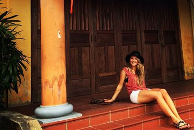 @fro01: Hoi An is the prettiest place! Totally loving the vibe, the bright colours & experiencing their culture. Now off to bike ride around town, then cooking class tonight @contiki #vietnamhighlights #noregrets