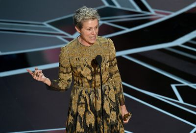 Frances McDormand marches to the beat of own drum and we couldn't love her more for it. The 60 year-old actress sported blonde tousled waves, and apart from a hint of lip gloss, no makeup.