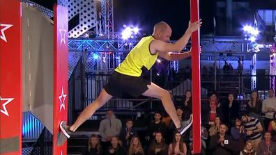 Ep9 - Sam Goodall narrowly beaten by the buzzer in Stage 1 - Australian Ninja Warrior 2019