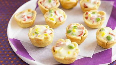 "Recipe: <a href=""http://kitchen.nine.com.au/2016/05/16/20/10/cauldronettes"" target=""_top"">Cauldronettes</a>"