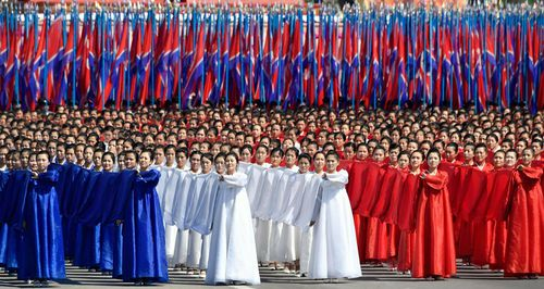 North Korea yesterday devoted nearly half of a parade marking the 70th anniversary of its founding to civilian efforts to build its economy, underscoring Kim's new strategy of focusing on economic development.